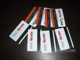 Готовые или изготовим с Вашим логотипом  пластиковые карты персонала
