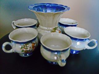 Кофейный набор, семь предметов (чашки и сливочник).