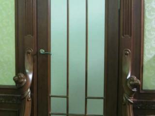 Двери резные из благородных пород