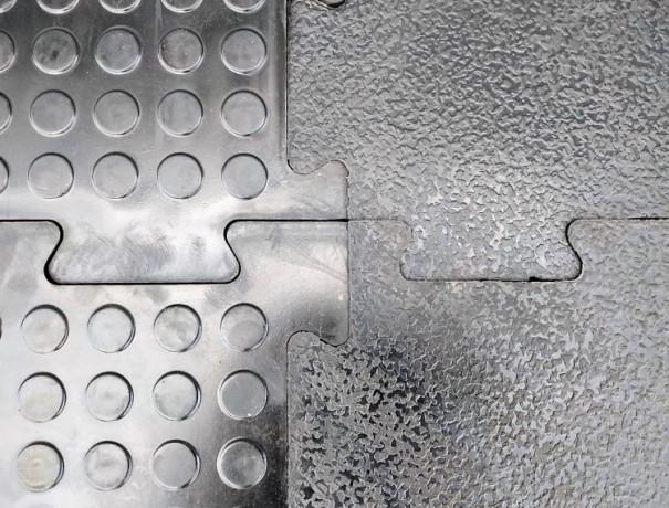 napolnoe-pokrytie-iz-reziny-reziplit-double-rubber-big-0