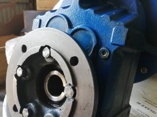 Цилиндрический мотор-редуктор FAF37-14.33-98 2.2*1450