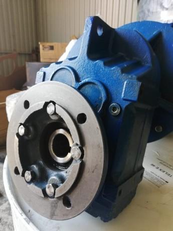cilindriceskii-motor-reduktor-faf37-1433-98-221450-big-0
