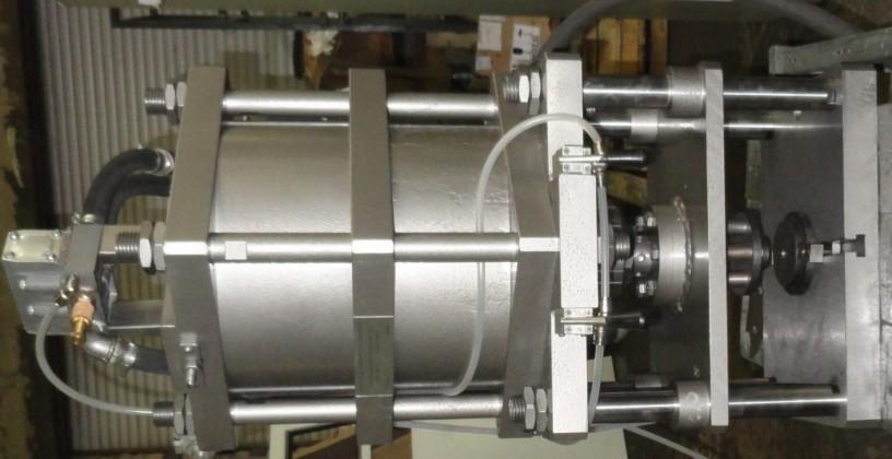 press-pnevmaticeskii-nastolnyi-model-ppn-2-ppn-5-5-ppn-10-big-3