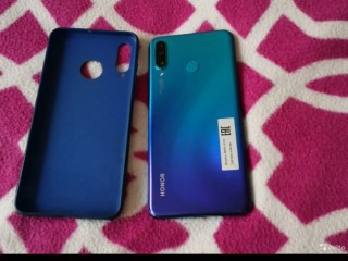 Продаю телефон HONOR 20 Lite
